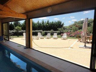 Villa Périgourdine, piscine intérieure chauffée, tout confort, au calme. - Saint-Crepin-et-Carlucet vacation rentals