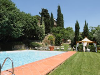 Borgo Dolci Colline Querce - Pieve di Chio vacation rentals
