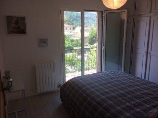 4 pièces cosy aux portes de Nice Côte d'Azur - La Trinite vacation rentals