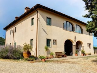 Amazing villa with pool in the heart of Tuscany - Figline Valdarno vacation rentals