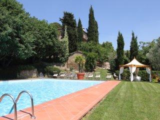 Borgo Dolci Colline Ziraia - Pieve di Chio vacation rentals