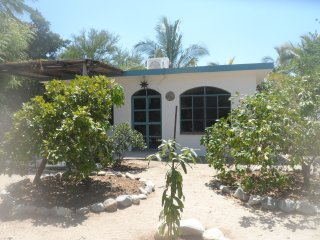 Lovely 1 bedroom Los Barriles Guest house with Internet Access - Los Barriles vacation rentals