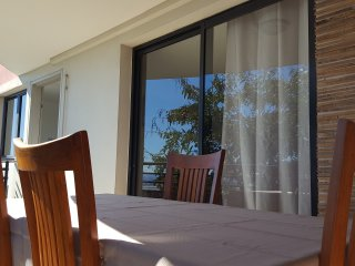 Ravissant T2, lumineux et calme, Belle vue mer - La Possession vacation rentals