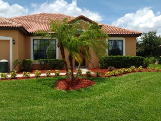 Spacious Villa & Pool in a quiet gated community. - Kissimmee vacation rentals