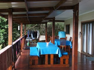 Cozy House in Ponta Malongane with Satellite Or Cable TV, sleeps 8 - Ponta Malongane vacation rentals
