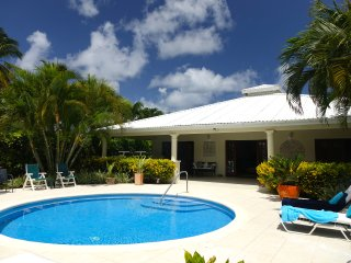 Wonderful West Coast Villa - 5 mins walk 2 beaches - Gibbes vacation rentals