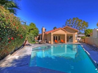 Palm Desert Oasis Sleeps 6 + Pool just blocks from - Palm Desert vacation rentals