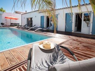 Bright 4 bedroom House in La Cotiniere with Washing Machine - La Cotiniere vacation rentals
