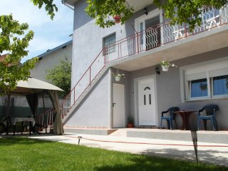 Cozy 3 bedroom Apartment in Gracac - Gracac vacation rentals