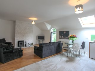 No3. Moville Town Centre Superior Apartment - Moville vacation rentals