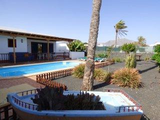 Villa with pool 1km from Playa Dorada, Lanzarote - Playa Blanca vacation rentals