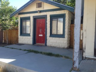cute cottage in small mountain town - Lone Pine vacation rentals