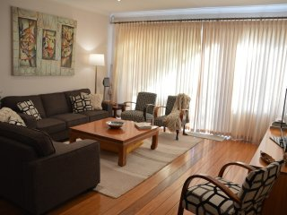 4 bed home with city views, great for big groups - Rose Bay vacation rentals