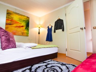 Q HOUSE-3BD CentralTPE-nearMRT&Nightmarket-COZY - Taipei vacation rentals