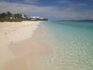 PARADISE ISLAND, 5 minutes walk to cabbage beach - Paradise Island vacation rentals