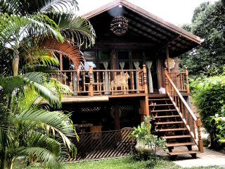 Family Rice Barn - Nam Phrae vacation rentals