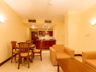 2 BR serviced apartment in a convenient location - Colombo vacation rentals