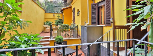Charming Rome Apartment near the Colosseum - Annora - Image 1 - Roma - rentals