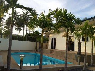 Villa Sama - 4 bedroom pool villa in Nai Harn - Nai Harn vacation rentals