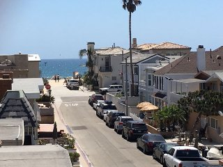 Top 3 bed 2 Bath Newport beach CURRENT SPECIAL Fr.$170/Nt- 500 ft to beach - Newport Beach vacation rentals