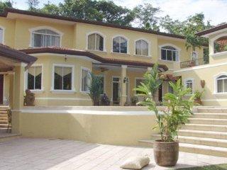 Nice Villa with A/C and Balcony - Herradura vacation rentals