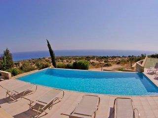 Spacious 4 bedroom villa in sought after location! - Kouklia vacation rentals