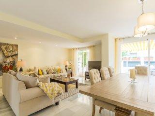 Casa Del Sol - Luxury Golden Mile Beachside Home - Marbella vacation rentals