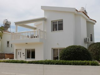Cozy 3 bedroom Villa in Ayia Napa with A/C - Ayia Napa vacation rentals