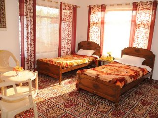 Perfect 4 bedroom Srinagar House with Internet Access - Srinagar vacation rentals