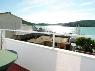 Apartmani Mila R5 - Tisno vacation rentals