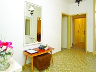 Apartmani Mila R3 - Tisno vacation rentals