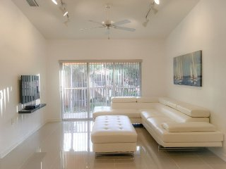 Close to 5th Avenue, Beaches and Restaurants - Naples vacation rentals