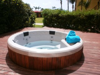 Garden of Eden Three-bedroom condo - P116 - Eagle Beach vacation rentals