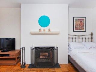 Bi- Level studio in the heart of Gramercy - New York City vacation rentals