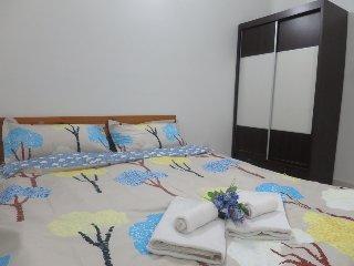 {TT}Welcoming & Cozy Condo Room- 2 (Medium Room) - Puchong vacation rentals