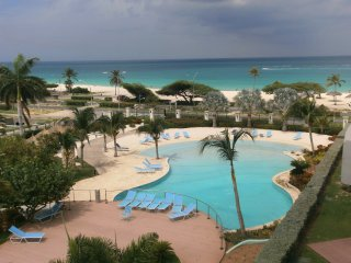 Glamour View Three-bedroom condo - E422 - Eagle Beach vacation rentals