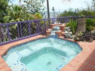 Cozy 2 bedroom Mount Irvine Apartment with Internet Access - Mount Irvine vacation rentals