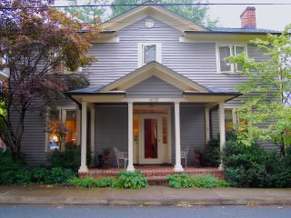 Cope Foster guest room(s) - downtown area - Charlottesville vacation rentals