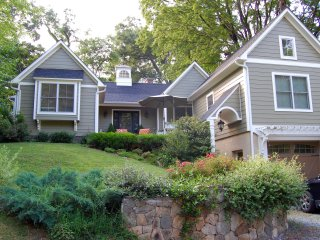Jasmine Cottage in University residential neighborhood - Charlottesville vacation rentals