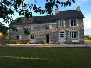 Charming renovated farmhouse in Brittany France - Kerherou vacation rentals