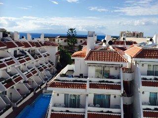 #ATTICO 8 FLORITAS,  CON VISTA AL MARE e PISCINA - Playa de las Americas vacation rentals