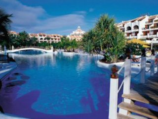 #SANTIAGO 178, DUPLEX IN PARQUE SANTIAGO 2, 7 PAX - Playa de las Americas vacation rentals