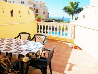 Wonderful 2 bedroom Apartment in Los Cristianos - Los Cristianos vacation rentals