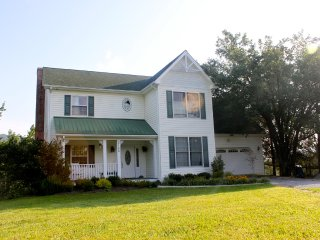 4br Serene Mountain Home in Bburg - Blacksburg vacation rentals