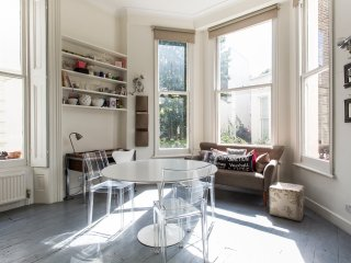 onefinestay - Clifton Gardens Studio apartment - London vacation rentals