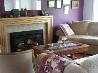 1Bedroom Home Clean, Queit and Safe Neighbourhood - Sarnia vacation rentals