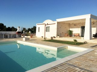 Beautiful Countryside Villa with private 10x5m pool, air-con & wifi - Ostuni vacation rentals