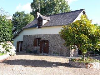 Gite 4-6 personnes mont st Michel - Piscine - Les Loges-Marchis vacation rentals