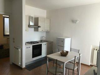 Bilocale in centro - Manerba del Garda vacation rentals