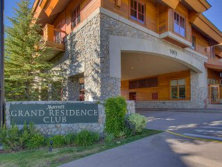 MARRIOTT GRAND RESIDENCE AT THE GONDOLA SLEEPS 2 - South Lake Tahoe vacation rentals